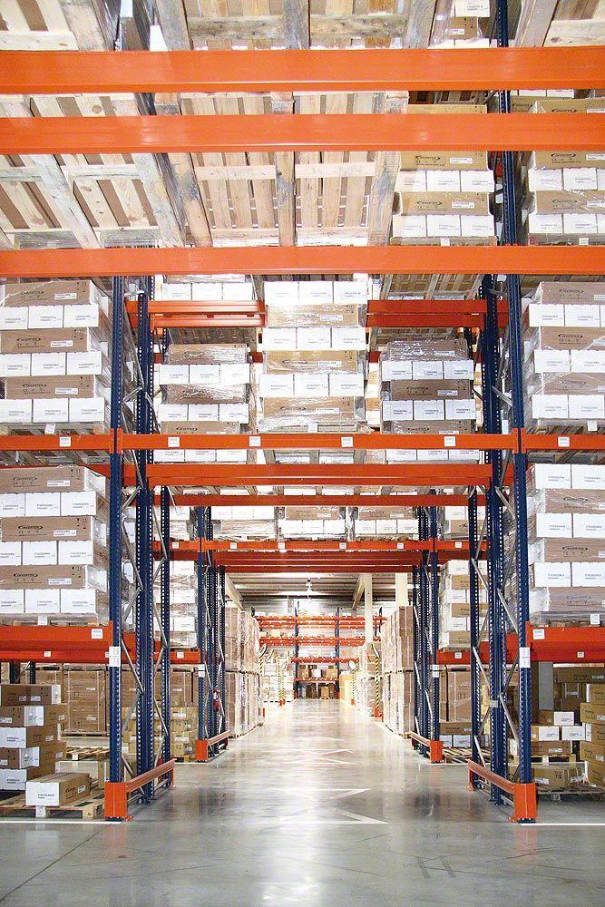Vendo scaffali industriali e scaffalature metalliche provenienti